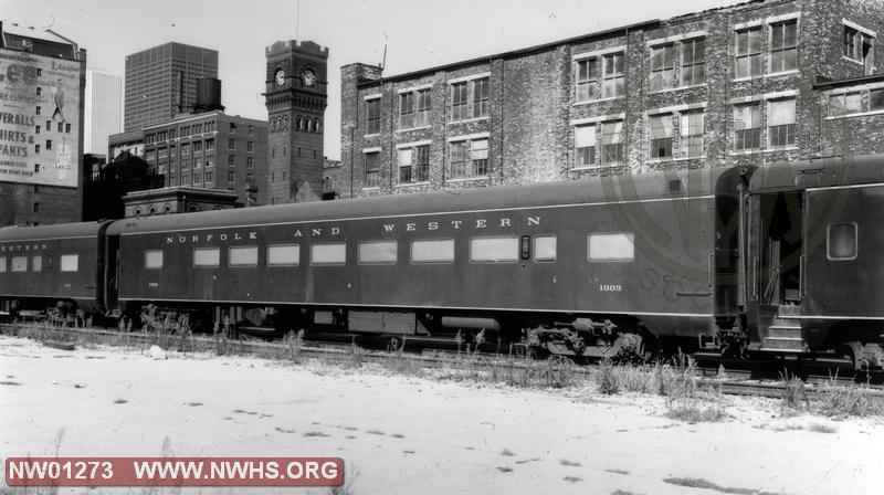 """P3"" Coach #1009(Converted frm #537) - B&W   (""Traps welded down for commuter service)"