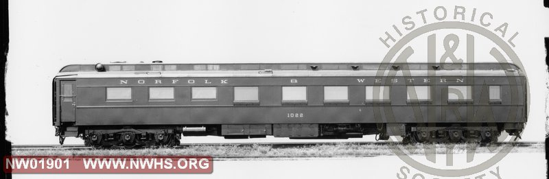 "Class ""De"" Diner #1022, Side View, B&W   (Blt. by Pullman 8/1927)"