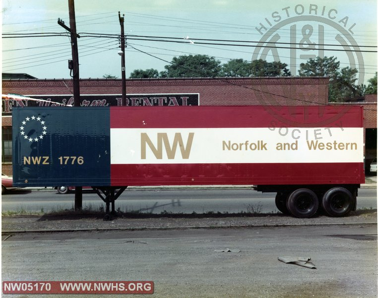 Bicentennial Road Trailer NWZ 1776, Side View, Color