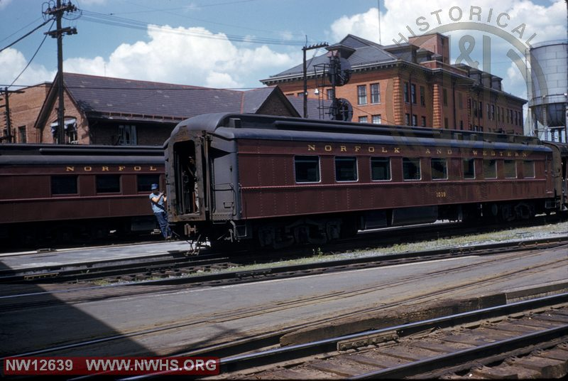 N&W diner #1019 passenger car at Roanoke, VA station in front of Commissary